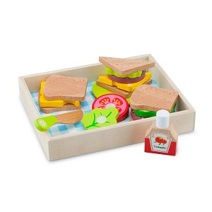 New Classic Toys - Cutting Meal - Lunch-Picnic - Box 18 pcs.