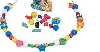 New Classic Toys - Wooden Lacing Beads - 260 gram