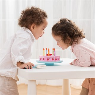 New Classic Toys - Cutting Cake - Birthday
